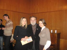 С Катей (справа) и Аней Левитанскими